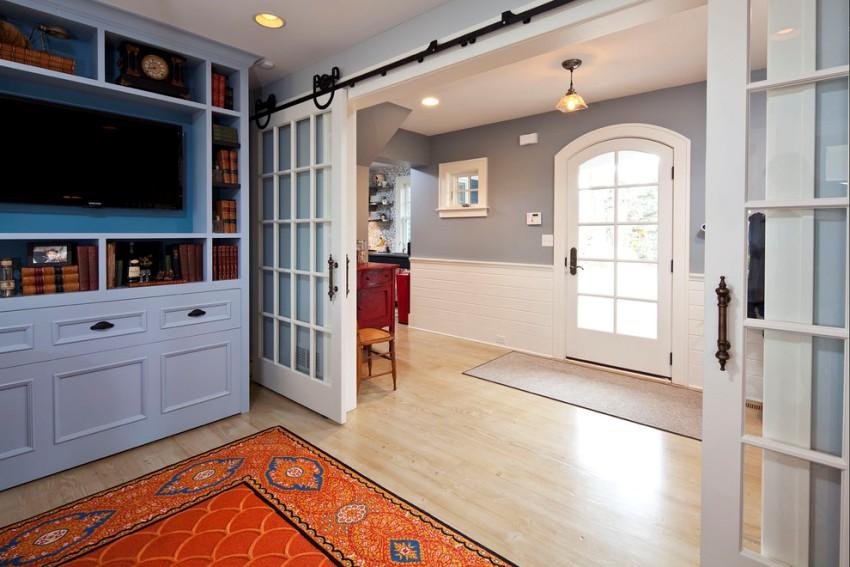 Белый цвет дверей считается воплощением простоты и роскоши и является универсальным вариантом
