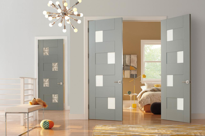 Межкомнатные двери со стеклянными вставками могут быть изготовлены с учетом любого стиля интерьера