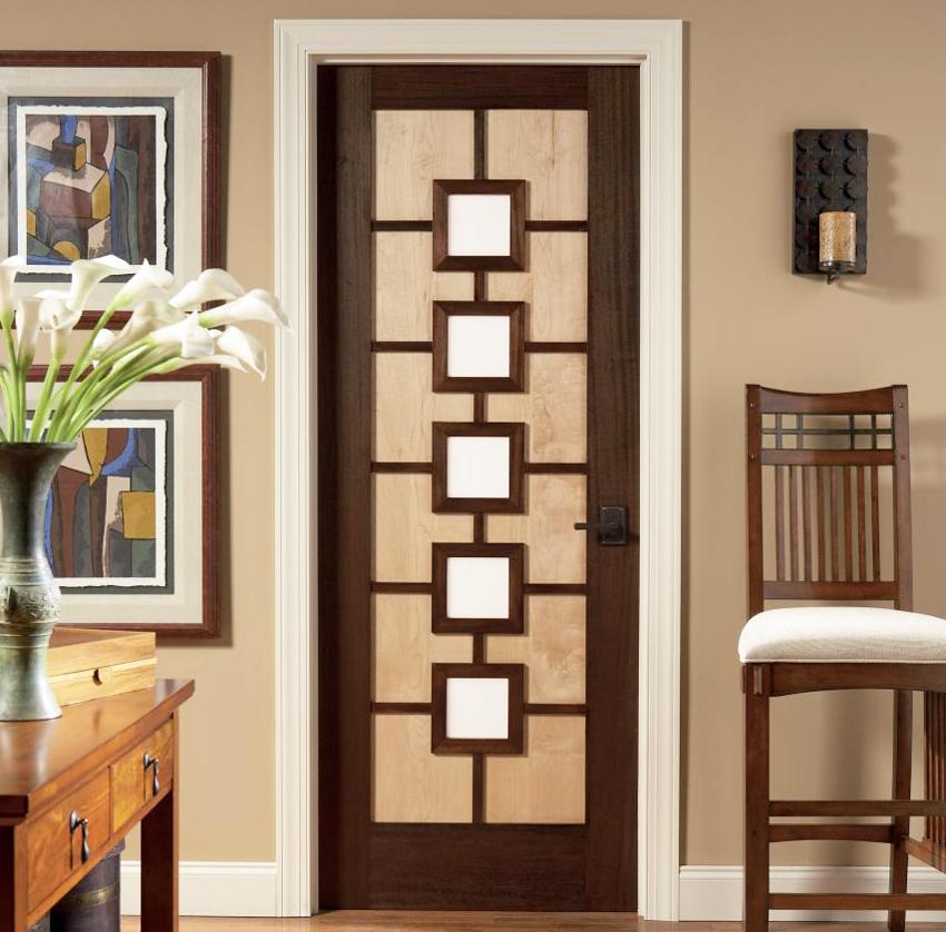 Межкомнатная дверь, выполненная из дерева и стекла, отлично подойдет для классического стиля интерьера