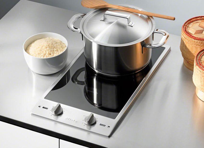 Для современных интерьеров кухонь подходящим вариантом считается электрическая настольная стеклокерамическая плита