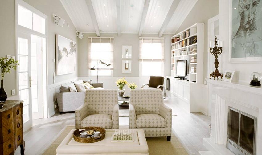 Интерьер финского домика обычно делают светлым, чтобы не скрадывалось пространство