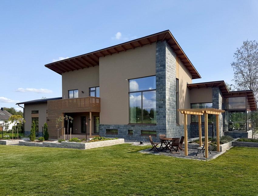 Современная технология строительства финских домов позволяет создавать по-настоящему уютные и экологичные особняки