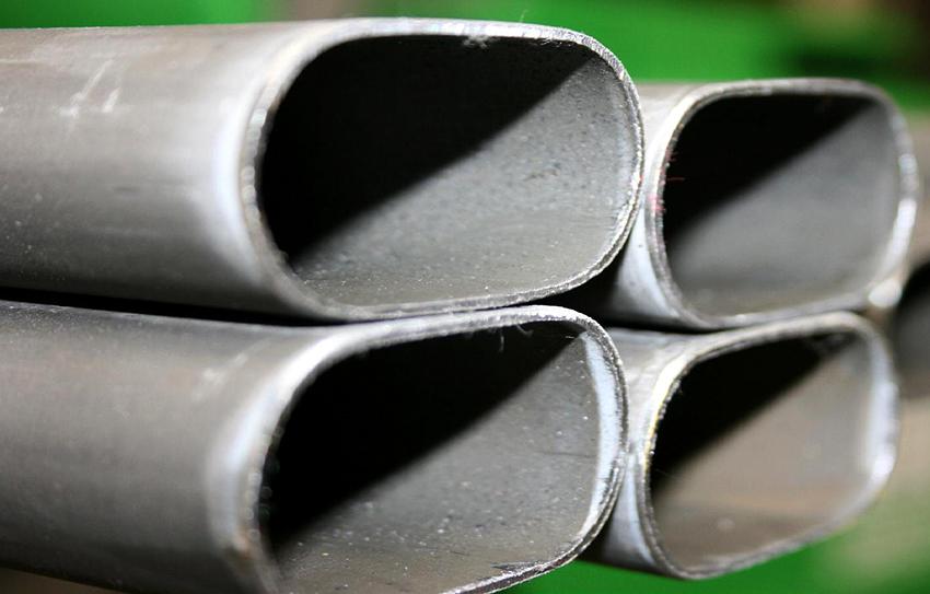 Профильные трубы по способу производства бывают холодно- и горячедеформированные