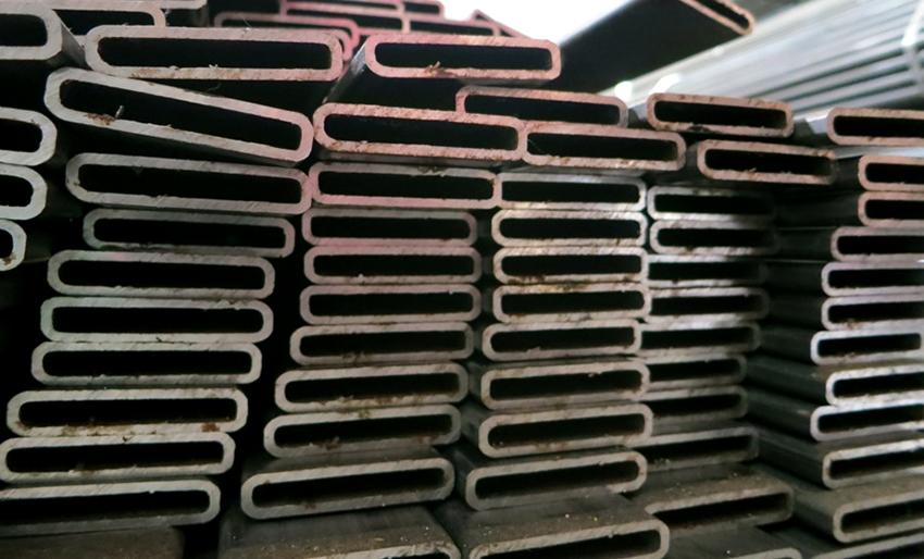 В строительстве используются трубы со средней толщиной стенки от 8 до 12 мм