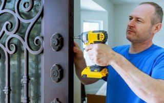 Ремонт металлических входных дверей: как самостоятельно починить полотно