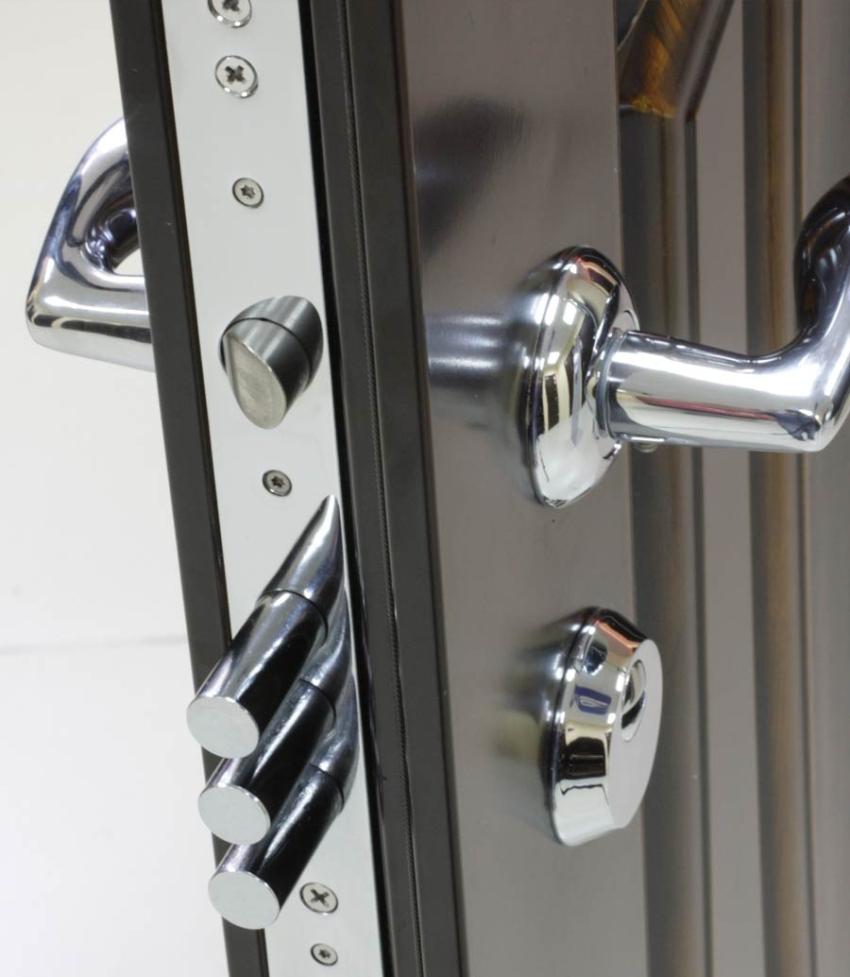 Существует масса причин поломки замка, установленного во входную металлическую дверь