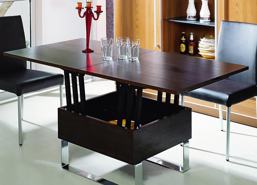 Журнальный стол-трансформер быстро и легко превращается в обеденный