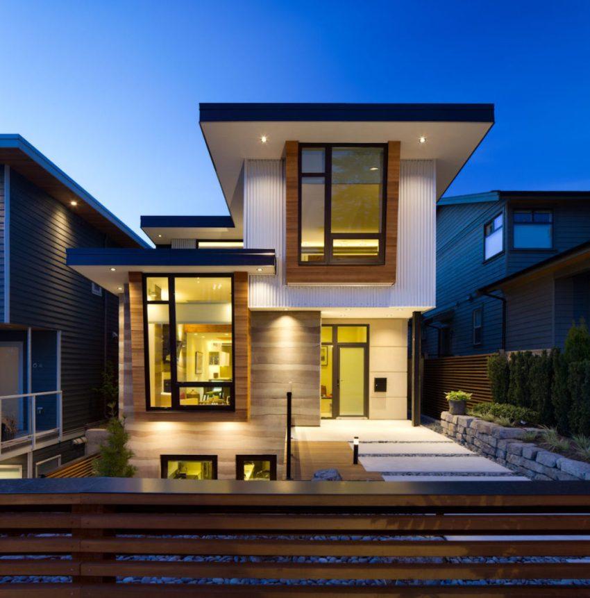 Благодаря светодиодным прожекторам можно добиться эффективного освещения всей придомовой территории