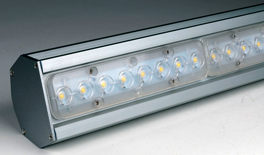 Светодиодные светильники благодаря высокой степени освещения используют в промышленности