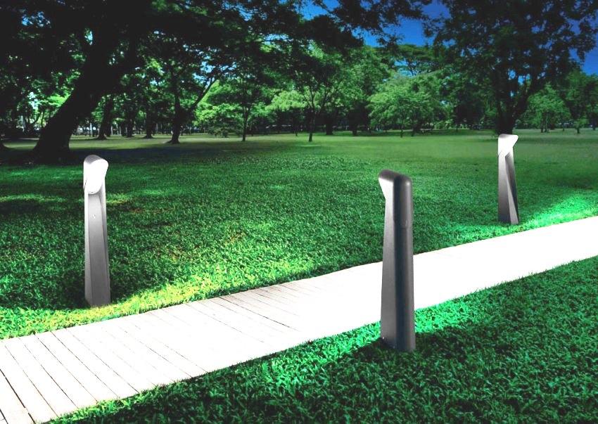 Столбы, предназначенные для фиксации светильников на улице, производят из различных материалов
