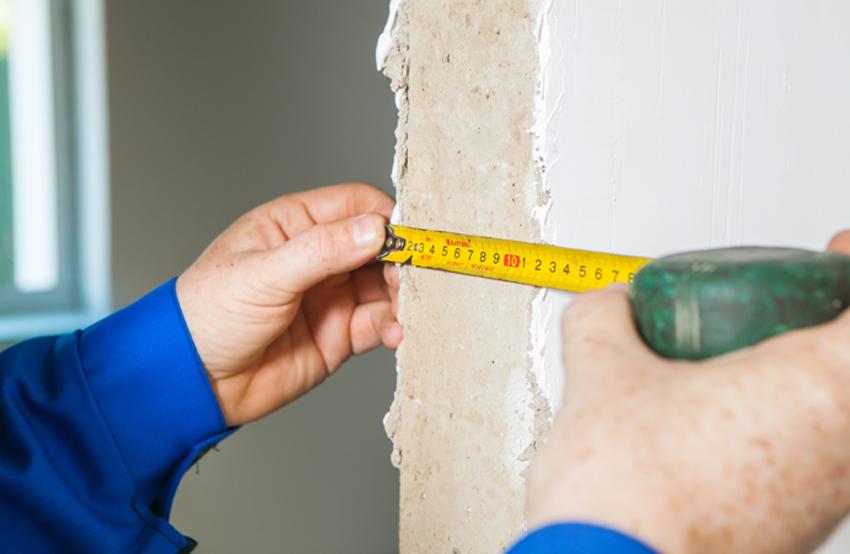 Замер толщины стен желательно сделать в четырех точках и выбрать больший показатель