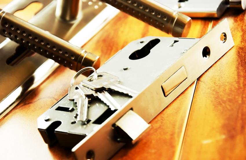 Перед покупкой устройства следует учесть класс безопасности замка и устойчивость к взлому