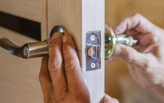 Замок для межкомнатных дверей: как выбрать надежный и долговечный механизм