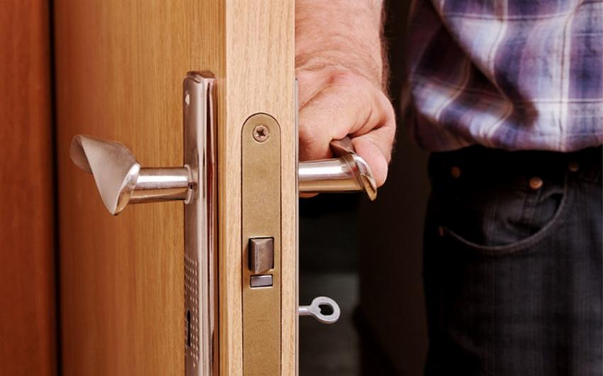 Назначение помещения, где установлена дверь часто определяет тип замка, который будет использоваться