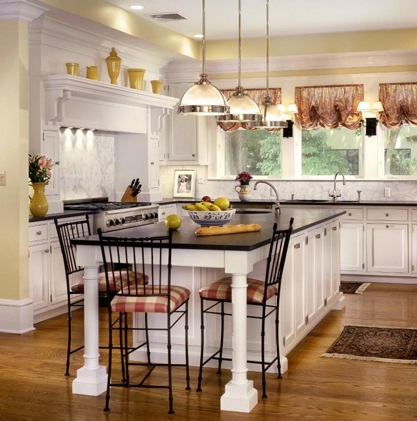 Как правило, кухня в английском стиле оформляется в пастельной цветовой гамме