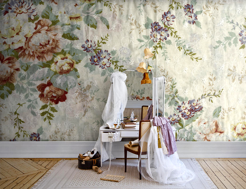 Обои пастельных оттенков с цветочным принтом ‒ визитная карточка английского стиля