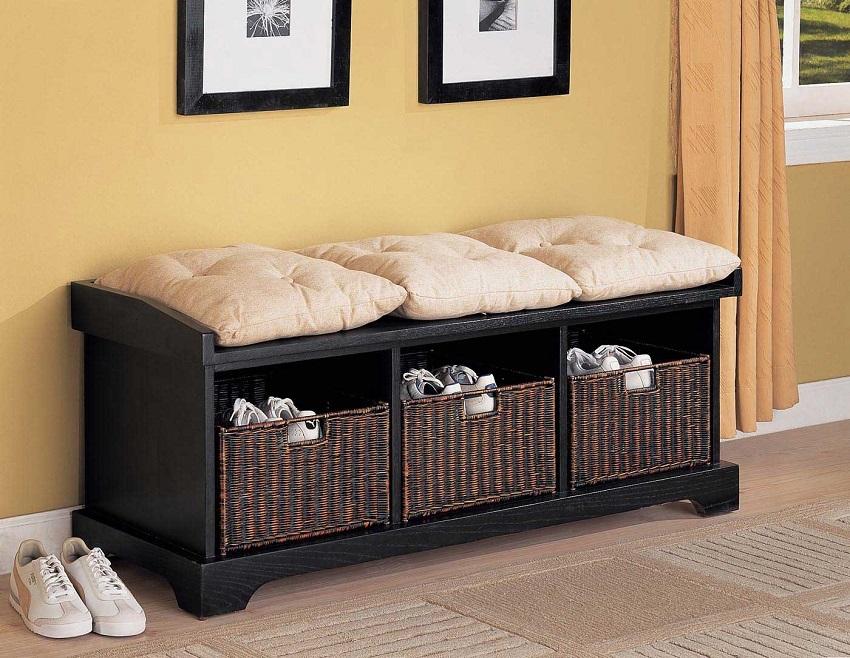 Банкетка с полками для обуви является очень практичным и экономящим место изделием