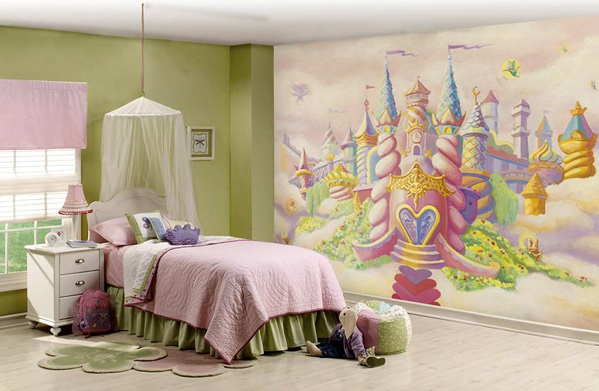 У кровати должны отсутствовать острые углы и выступы, а поверхность быть ровной и гладкой