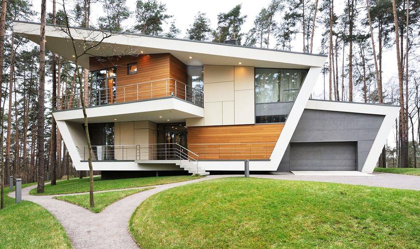 Со временем для строительства домов в стиле высоких технологий стали использовать и дерево
