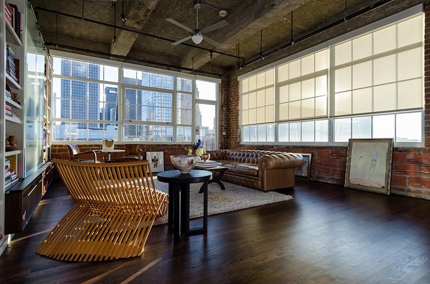 Мебель для гостиной в стиле лофт может выполнять роль ярких акцентов
