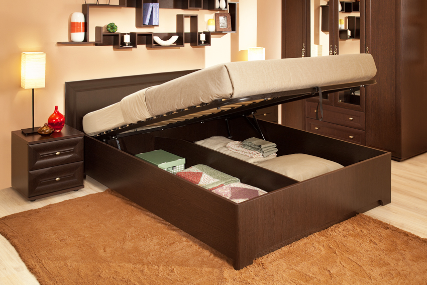 Кровати с подъемным механизмом практичны, функциональны и удобны в эксплуатации
