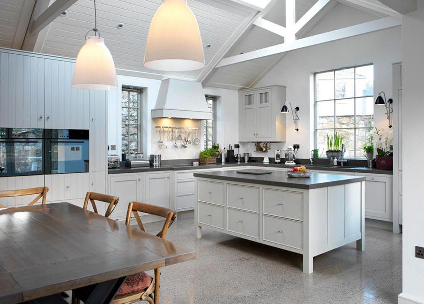 Белый гарнитур – классический вариант для скандинавской кухни