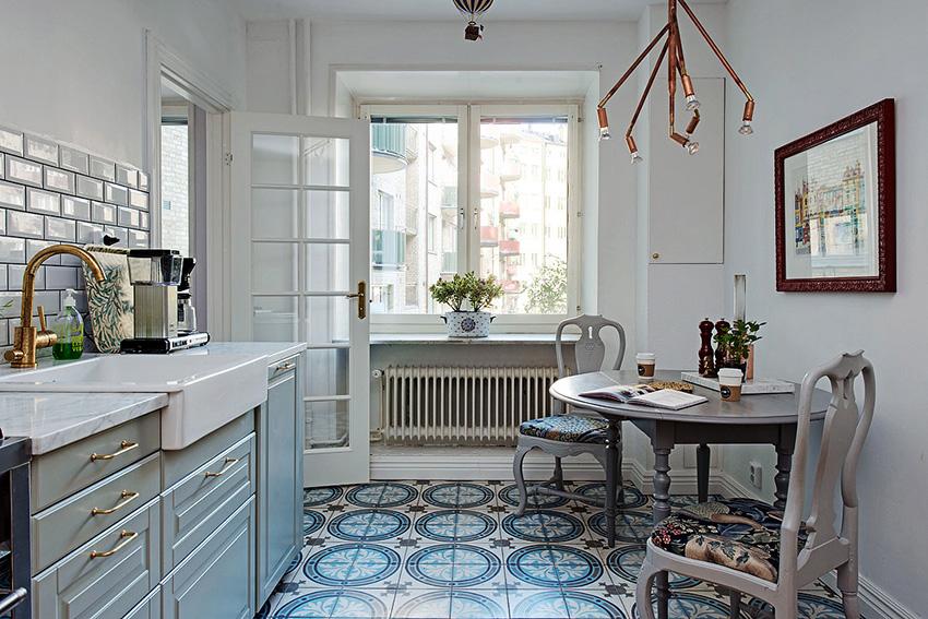 Благодаря обилию светлых цветов и большим окнам скандинавские кухни буквально наполнены светом
