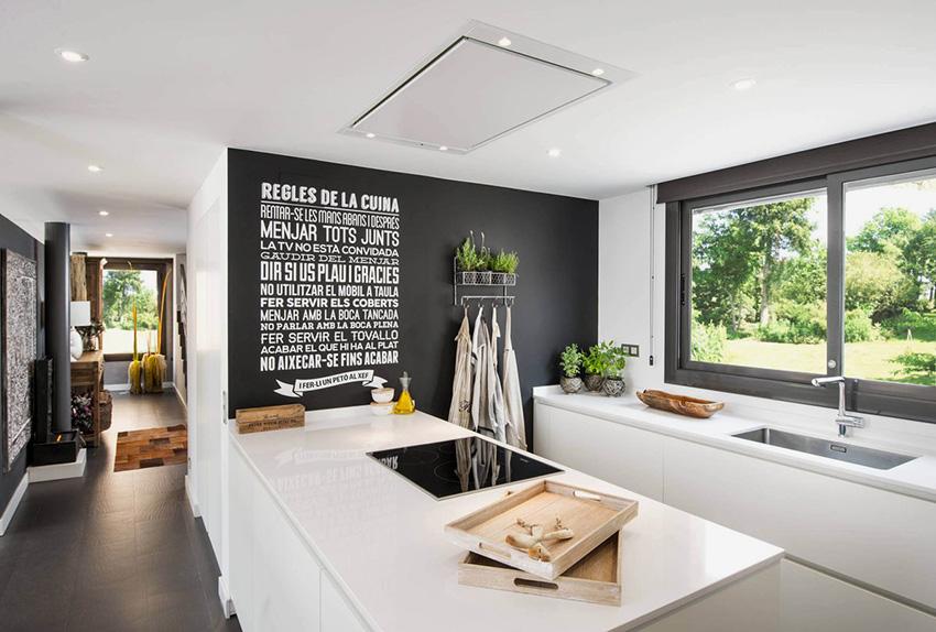 Скандинавский стиль отлично подходит для маленьких кухонь