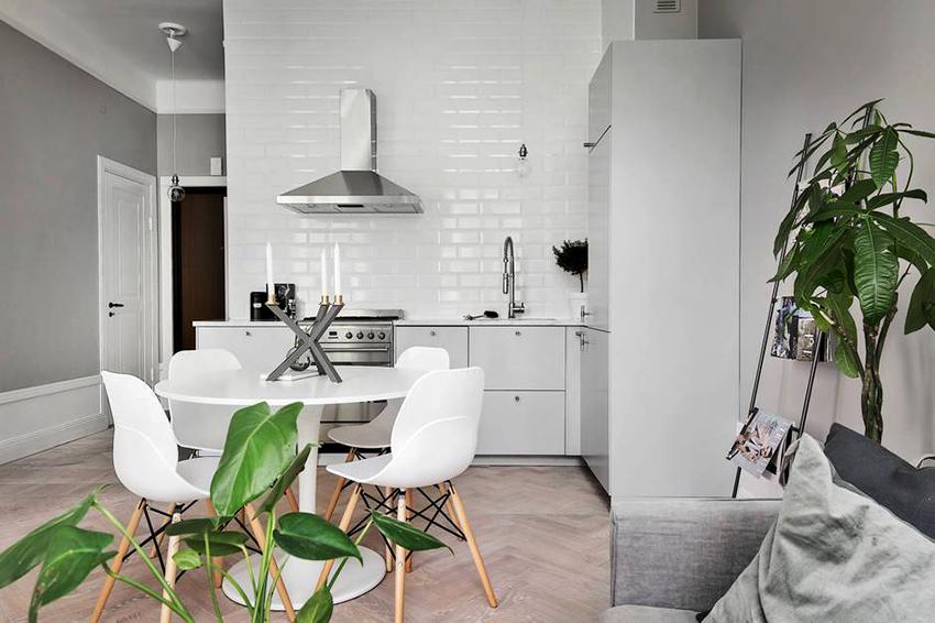 Самым популярным в скандинавских кухнях является белый цвет и его оттенки