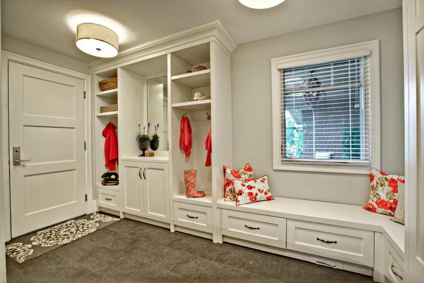 Современная мебель для прихожей не только функциональна, но и несет эстетическую нагрузку