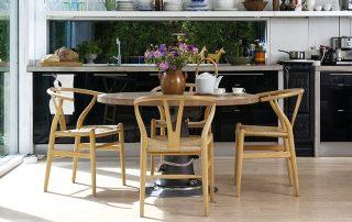 Обеденная группа для кухни: эффектная и функциональная мебель