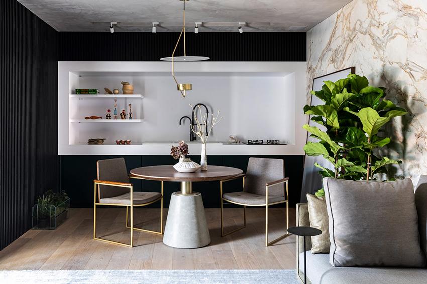 Обеденную зону можно сделать контрастной или в одной цветовой гамме со всей кухней