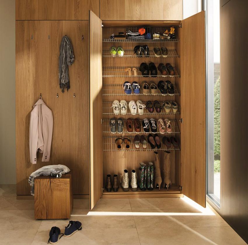 Обувница может быть отдельностоящей или быть совмещенной со шкафом для верхней одежды
