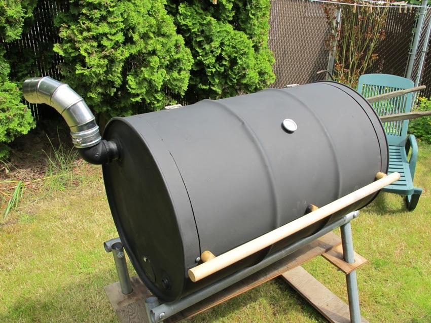 Печку изготовленую из бочки можно применять не только для обогрева помещения, но и для приготовления пищи