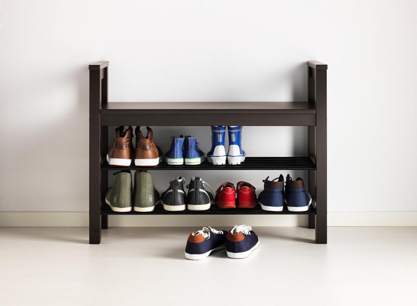 Полки для обуви в стиле минимализм выглядят максимально просто