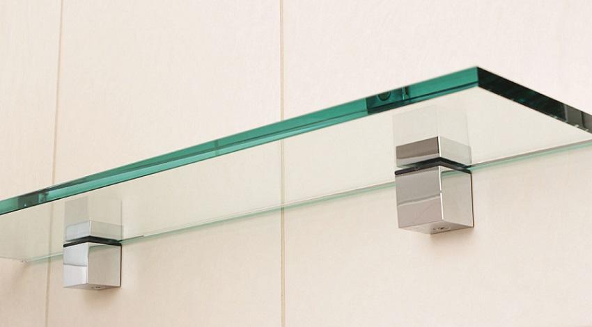 """Для фиксации стеклянной полки используют специальный крепежный элемент """"пеликан"""""""
