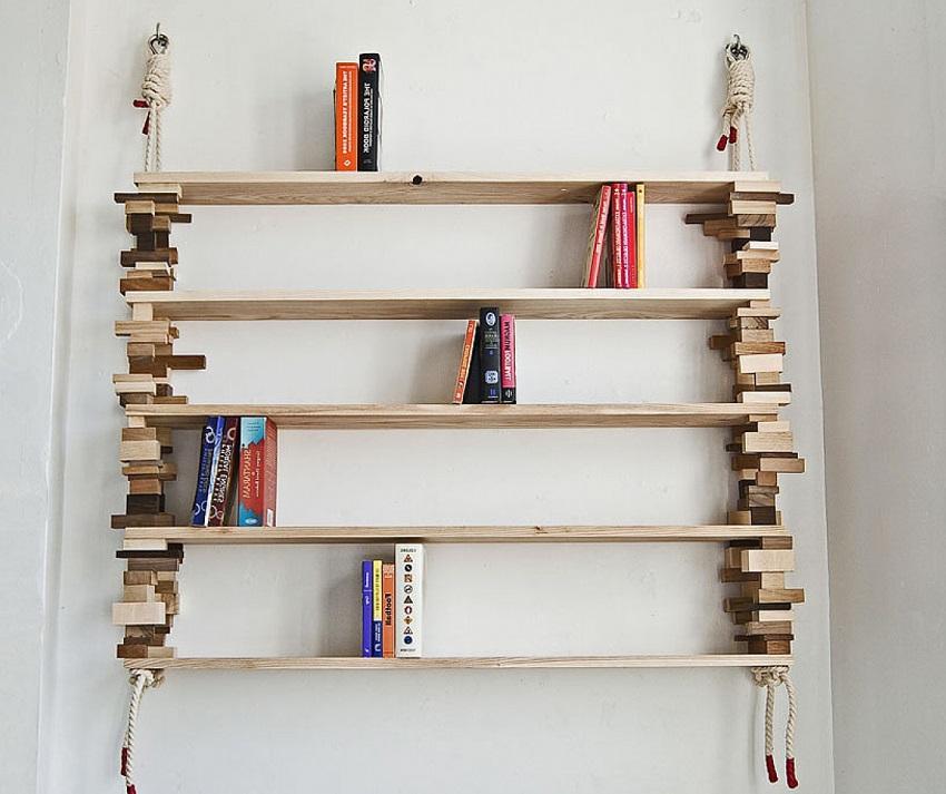Обрезки досок можно применить в дизайне полки для книг