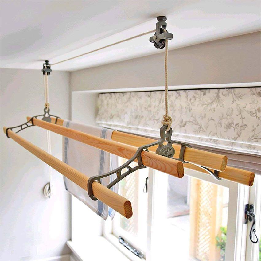 Потолочная сушилка занимает мало места, что особо важно в условиях небольших помещений