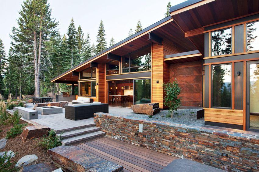 Фасад с деревянной облицовкой будет смотреться просто, но в то же время аккуратно и со вкусом