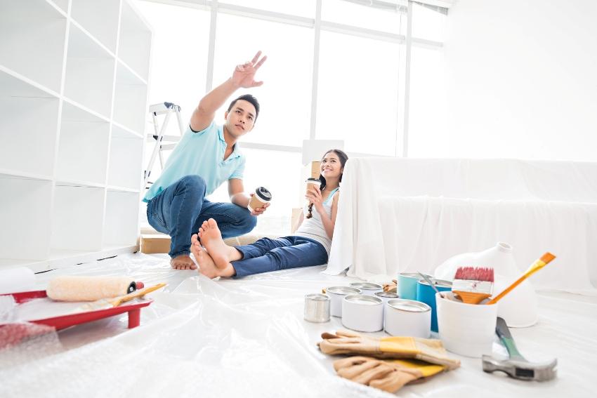 Проведение косметического ремонта своими руками вполне допустимо