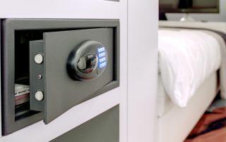Сейф для квартиры: критерии удачного выбора для домашнего использования