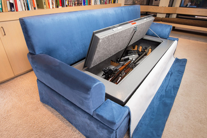 Сейфы для оружия могут не только отдельностоящими, но и быть спрятанными в мебели