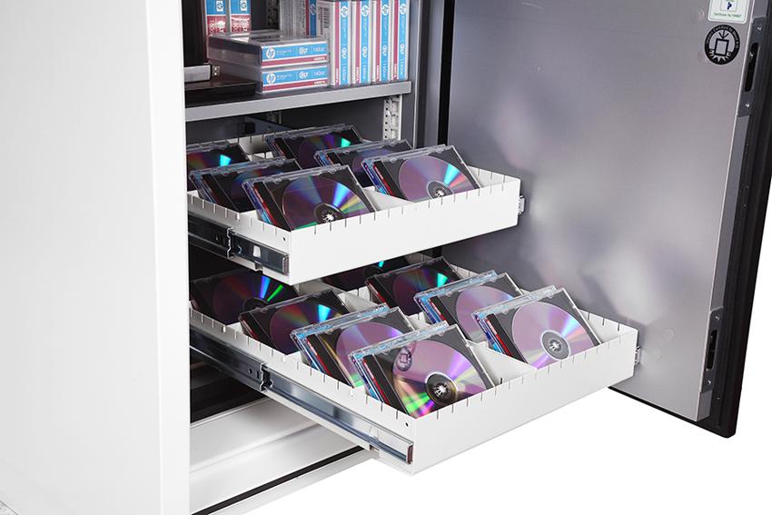 Data-сейфы изготавливаются специально для защиты магнитных и цифровых носителей от огня