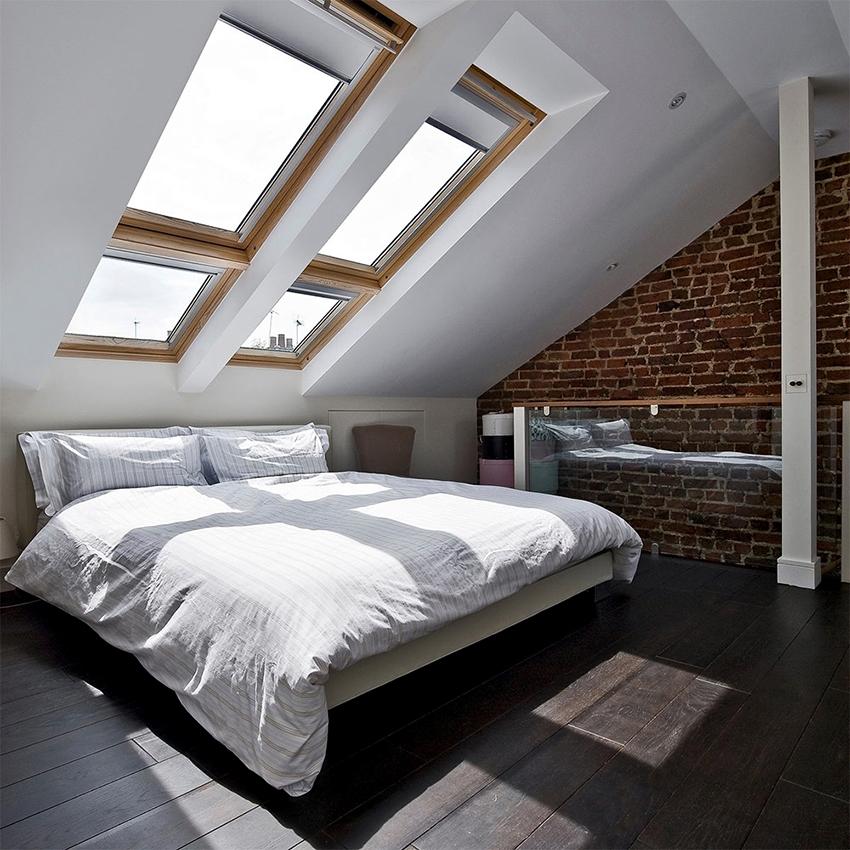 Для пола в спальне лофт подойдет паркетная доска, плитка или бетон