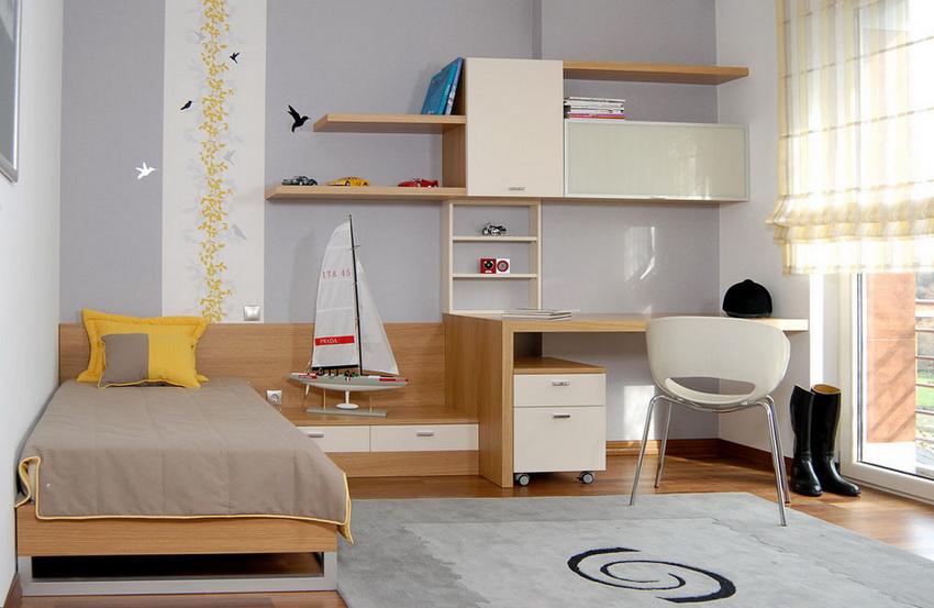 Для детских комнат спальные гарнитуры предполагают наличие рабочей зоны