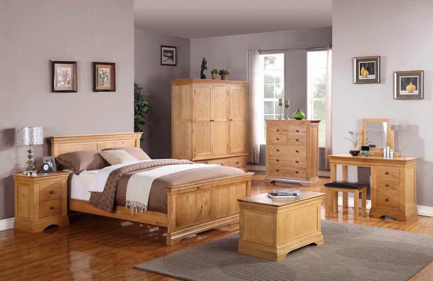 Современный метод обработки древесных материалов позволяет производить мебель, которая полностью имитирует натуральное дерево
