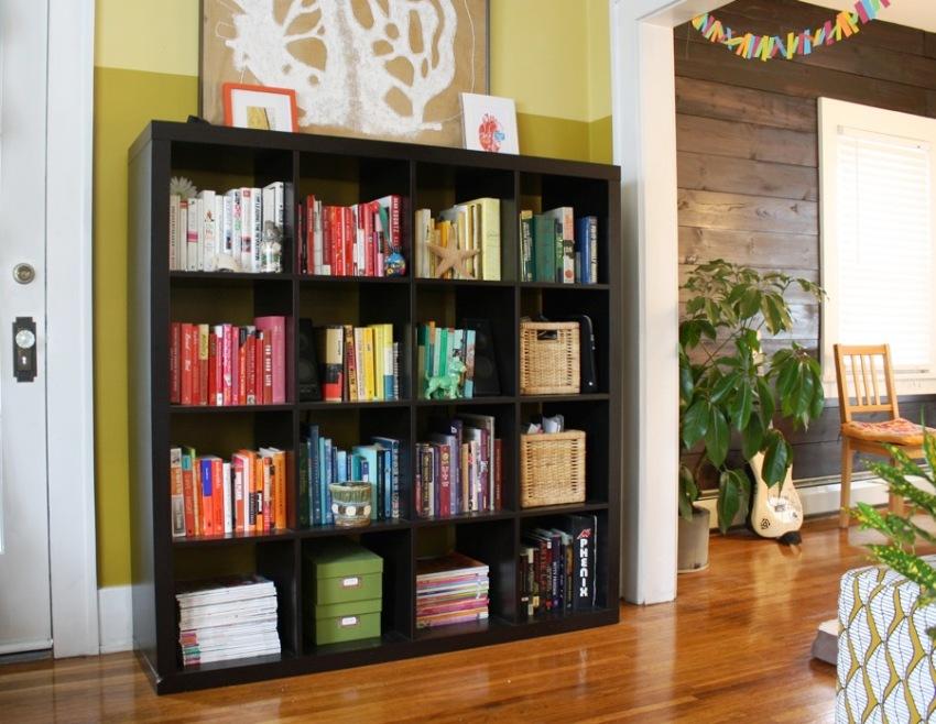 Стеллажи для книг IKEA чаще всего изготавливаются в классическом формате