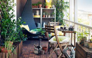 Стеллаж на балкон: надежный помощник в организации пространства