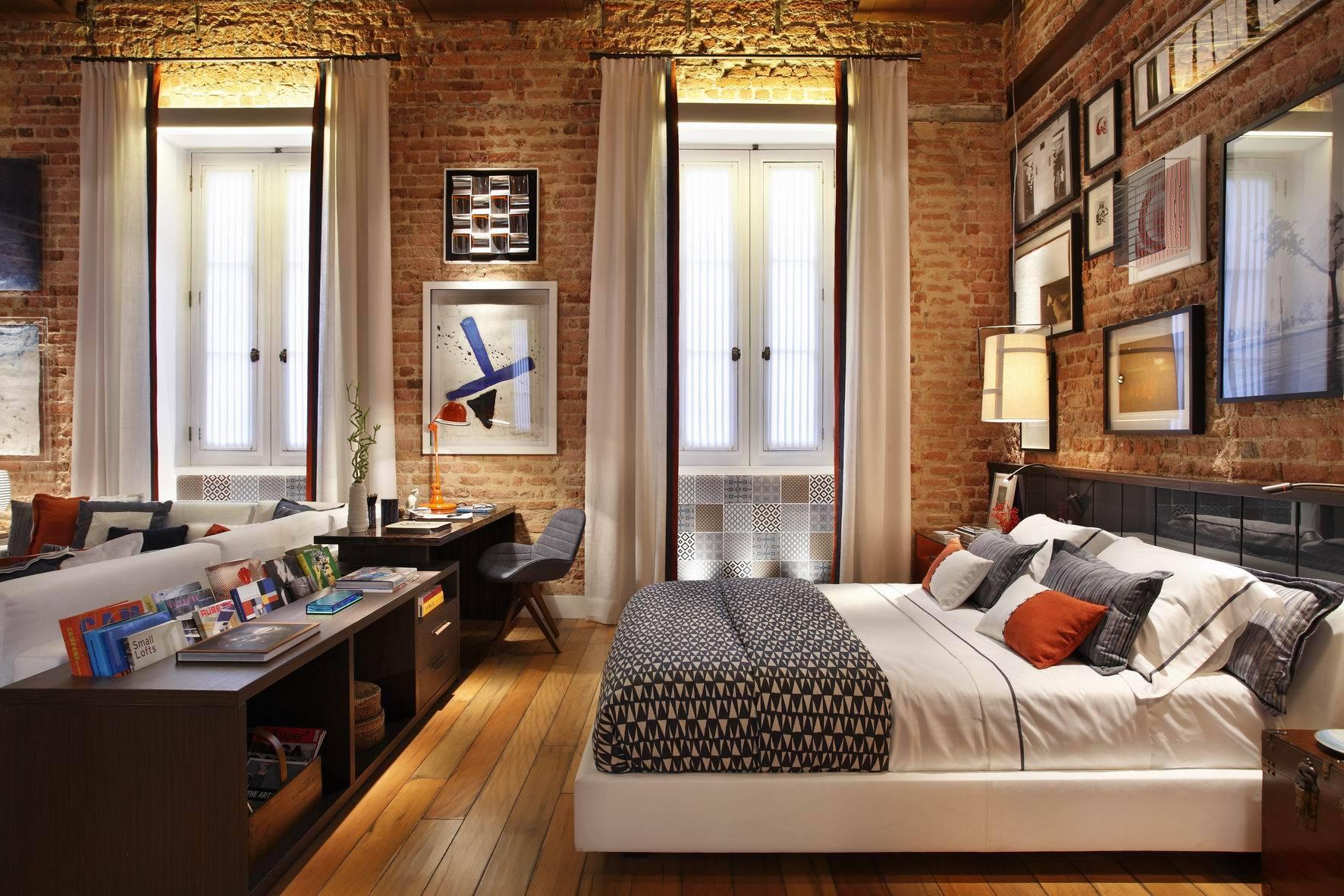 Над каждым спальным местом рекомендуется устанавливать автономные источники света
