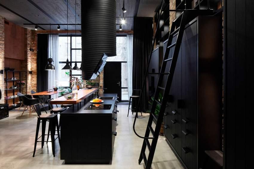 Все пространство должно быть построено на сочетании современных и старых материалов, текстур и поверхностей